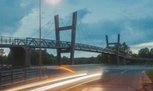 Gājēju un velosipēdistu tilts pār Rīgas–Ventspils šoseju