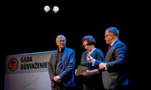 GRAND PRIX – Rīgas Domu - apbavo Juris Dambis, VKPAI vadītājs, Māra Lāce, LNMM direktore, Arvils Ašeradens, ekonomikas ministrs.