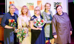 Laureāti un organizatori - dizainere Ināra Liepa, dizainere Anita Grase, BDCC valdes locekle Agrita Lūse, dizainere un dizaina veicinātāja Anda Munkevica, dizainere Margarita Budze.
