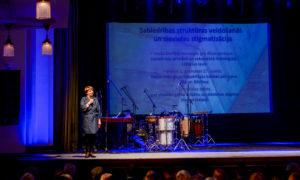 Socioloģijas doktore Dagmāra Beitnere La Galla forumā uzstājās ar akadēmisku uzrunu par sievietes lomu, sākot no Bībeles laikiem līdz mūsdienām.