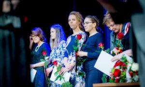 Foruma nominantes saņem apsveikumu par ieguldījumu nozarē - arhitekte Anda Bula, būvniece Jeļena Samoilova, būvniece Līga Gaile, būvniece Olga Osadčuka.