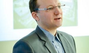 """Jānis Pitkēvičš, """"Selva Būve"""" projektu vadītājs 2018.gada 9.janvārī uzstājas Rīgas Celtniecības koledžā 100 cilvēku lielai studentu auditorijai."""