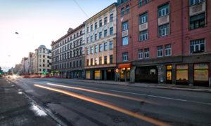 """Daudzdzīvokļu dzīvojamās ēkas A.Čaka iela 61, Rīgā vienkāršotā fasādes atjaunošana Pasūtītājs Namīpašuma īpašnieki. Projekts Dace Ržepicka. Būvnieks """"Būvuzņēmums Restaurators"""", projekta vadītājs Dāvis Priede. Būvuzraudzība """"Būvprojektu Vadības Birojs"""", Ilmārs Birzgalis."""