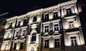 """Skolas iela 36A, Rīga, fasāžu atjaunošana. Pasūtītājs dzīvokļu īpašnieki. Projekts Dace Baidekalne. Būvnieks """"Būvuzņēmums Restaurators""""."""