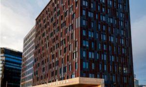 """1.vieta nominācijā """"Ilgtspējīgākā ēka 2018"""" kategorijā """"Komercobjekts"""" biroju ēka """"Place Eleven"""", pasūtītājs """"Hanner Group"""", projekts arhitekte Diāna Zalāne, """"Diānas Zalānes projektu birojs"""", būvnieks Alfa Construction"""""""