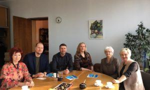 """Kampaņa Mācies būvniecību 2019.gada 20.februārī LLU VBF.  No kreisās - kampaņas organizatore Gunita Jansone, Kaspars Kurtišs,""""K Forma"""" vadītājs, būvinženieris, būvkonstrukciju projektētājs, Edgars Krasņikovs, būvinženieru biroja Forma 2 valdes loceklis, sertificēts būvinženieris, Selva būve būvdarbu vadītāja Lolita Koļcova, LLU VBF profesore Silvija Štrausa, profesore Sandra Gusta."""