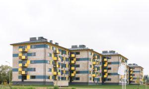 Jauna dzīvojamā ēka. Dzīvojamās mājas Ķieģeļu iela 8, Mālu iela 1, Valmiera. Pasūtītājs VALMIERAS NAMSAIMNIEKS. Projekts arhitekts Uldis Bērziņš, TECCTUM. Būvnieks MONUM. Būvuzraudzība Valdis Valainis.