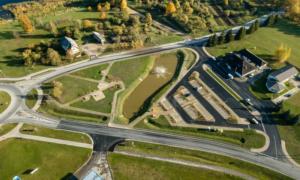 Inženierbūve rekonstrukcija. Īslīces iela Bauskā, Bauskas novadā. Pasūtītājs Bauskas novada dome. Projekts Didzis Dāle, BM-Projekts. Būvnieks YIT INFRA Latvija. Būvuzraudzība Jurēvičs un Partneri.