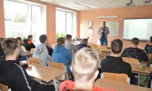 Kampaņa Mācies būvniecību 26.februārī, 2020  ., Vangažu vidusskolā. Uzstājas Zaļās mājas vadītājs Kristaps Ceplis.