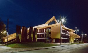 Lielā laukuma transformācija, koncertzāle LATVIJA un Ventspils mūzikas skola Lielais laukums 1, Ventspilī, pasūtītājs Ventspils pilsētas pašvaldības iestāde Komunālā pārvalde, projekts DAVID COOK , PS Merks-Ostas celtnieks, būvuzraudzība Firma L4.