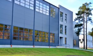 Ražošanas teritorija Valka, Varoņu 39A, pasūtītājs Valkas novada dome, projekts Arhitektu birojs Krasts, būvnieks RERE BŪVE, būvuzraudzība Akorda & K.