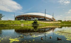 Brīvdabas koncertzāle Mītava Pasta sala 1, Jelgavas, pasūtītājs Jelgavas pilsētas pašvaldība, projekts Projektu birojs Grietēns un Kagainis, būvnieks Igate Būve, būvuzraudzība Jurēvičs un Partneri.