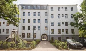 Fasādes atjaunošana GRĪZIŅKALNA REPUBLIKA, Jāņa Asara iela 12 k-3, Rīga, pasūtītājs Dzintarkrasti, būvnieks HN Būvnieks, būvuzraudzība BMK Plus.