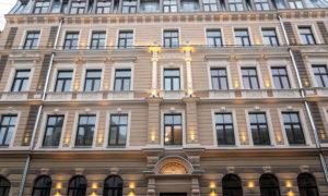 Daudzdzīvokļu dzīvojamās mājas Dzirnavu ielā 3 un Dzirnavu ielā 3A, Rīgā, fasāžu atjaunošana, pasūtītājs dzīvokļu īpašnieki, projekts ILARH, būvnieks BERGA FASĀDES, būvuzraudzība AEG Būve.