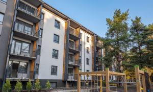 Divas jaunbuvētas daudzdzīvokļu ēkas Anniņmuižas bulvāris 21 un 21A, Rīga, pasūtītājs YIT LATVIJA, projekts Jākobsonu mākslas darbnīca, būvnieks YIT LATVIJA.