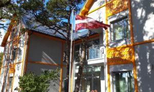 Dzīvojamās mājas ar viesu nama platībām jaunbūve Medņu iela 8, Ventspils, pasūtītājs privātpersona, projekts Olafs Ieviņš, būvnieks Metāla Centrs.