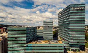 Biroja ēku komplekss Quadrum Konstitucijos pr. 21 Viļņa, Lietuva, pasūtītājs UAB Forumas 4, projekts UAB ARCHES, būvnieks Merko Statyba UAB, viens no lielākiem apakšuzņēmējiem Latvijas uzņēmums Strandeck.