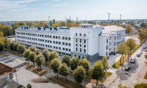 Jelgavas Valsts ģimnāzijas pārbūve Mātera iela 44, Jelgava, pasūtītājs Jelgavas pilsētas dome, projekts OZOLA & BULA, būvnieks RERE BŪVE 1, būvuzraudzība Jurēvičs un partneri.