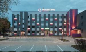 Biroju ēkas Kalnciema biroji pārbūve Lielirbes ielā 1, Rīga, pasūtītājs LNK Properties, projekts MARK ARHITEKTI, būvnieks LNK Industries, būvuzraudzība Gaļina Aleksandrova.
