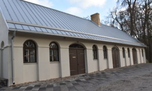 Zaļenieku komerciālās un amatniecības vidusskolas restaurācijas nama izveidošana Zirgu stallī un Katlu mājā, pasūtītājs Jelgavas novada pašvaldība, projekts Lūsis V, būvnieks Bildberg, būvuzraudzība Lerix.