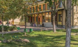 Daugavpils pilsētas 26.pirmsskolas izglītības iestādes Šaurā ielā 20, Daugavpils rekonstrukcija par zemas enerģijas patēriņa ēku, pasūtītājs Daugavpils pilsētas dome, projekts Gints Zvejnieks, būvnieks Šafrans, būvuzraudzība Rem Pro.