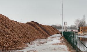 Šķeldas uzglabāšanas laukums Planīcas iela 73, Kuldīga, pasūtītājs Latvijas valsts meži, projekts CK, buvnieks Būvfirma INBUV, būvuzraudzība Uģis Perševics.