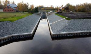 Inženierbūve pārbūve. Valsts nozīmes ūdensnotekas Gaujas-Daugavas kanāls. Pasūtītājs Zemkopības ministrijas nekustamie īpašumi, projekts Meliorprojekts, būvnieks p/a R-IGA, kas veidota no Riga rent un Ceļu būvniecības sabiedrība IGATE. Būvuzraudzība Inženieru birojs PROFECTO.