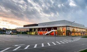 """Jauna sabiedriska ēka. Olimpiskais centrs Rēzekne"""" arēna, Stacijas iela 30, Rēzekne. Pasūtītājs Rēzeknes pilsētas dome, projekts REM PRO, būvnieks Arčers, būvuzraudzība BaltLine Globe."""