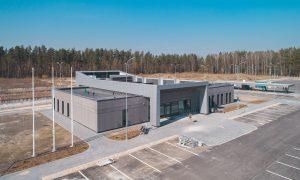 Jauna sabiedriska ēka. CSDD Jelgavas klientu apkalpošanas centrs administratīvā ēka, Aviācijas ielā 40, Jelgavā. Pasūtītājs VAS CSDD, projekts ARHIS ARHITEKTI, būvnieks LNK INDUSTRIES GROUP, būvuzraudzība LATVIJAS BŪVUZRAUGS.