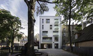 Pārbūve. Daudzstāvu dzīvojamā un biroja ēka Bruņinieku iela 76 Rīga. Pasūtītājs KAVITA, projekts AR.4, būvnieks EKO TEH.