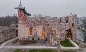 Pārbūve. Dobeles Livonijas ordeņa pils kapelas mūru konservācija un pārbūve Brīvības iela 2c. Pasūtītājs Dobeles novada pašvaldība, projekts Konvents, būvnieks RERE MEISTARI 1, būvuzraudzība RS Būvnieks.
