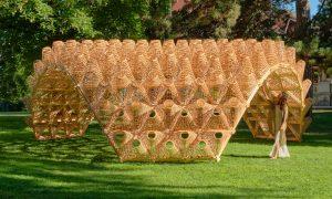 Ārtelpas labiekārtojums. Pinumu Paviljons Eiropas dārzi, Ansī, Francija. Pasūtītājs Annecy Paysages, projekts Didzis Jaunzems, Ksenia Sapega, uzbūve IXI, pinumi Pinumu pasaule.