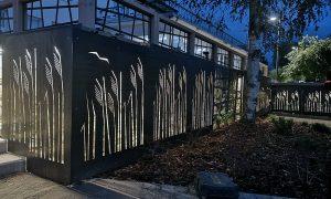 Ārtelpas labiekārtojums. Salacgrīvas kultūras nama teritorijas labiekārtošana, Ostas iela 3, Salacgrīva. Pasūtītājs Salacgrīvas novada dome, projekts Zaļais ezis, būvnieks SANART, būvuzraugs LATME Company.