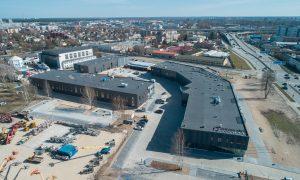 Ražotne – industriāla būve. Dienvidu vārti A  klases biroju, noliktavu, un tirdzniecības un biroju telpu komplekss, Rēzeknes ielā 5A, Rīgā Pasūtītājs Baltijas Industriālais Parks, projekts VIZUĀLĀS MODELĒŠANAS STUDIJA, būvnieks LNK INDUSTRIES GROUP, būvuzraudzība AVANT Group.